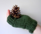 Short Fingerless Mitts